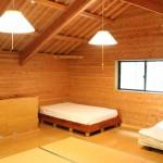 人気コテージ2階寝室
